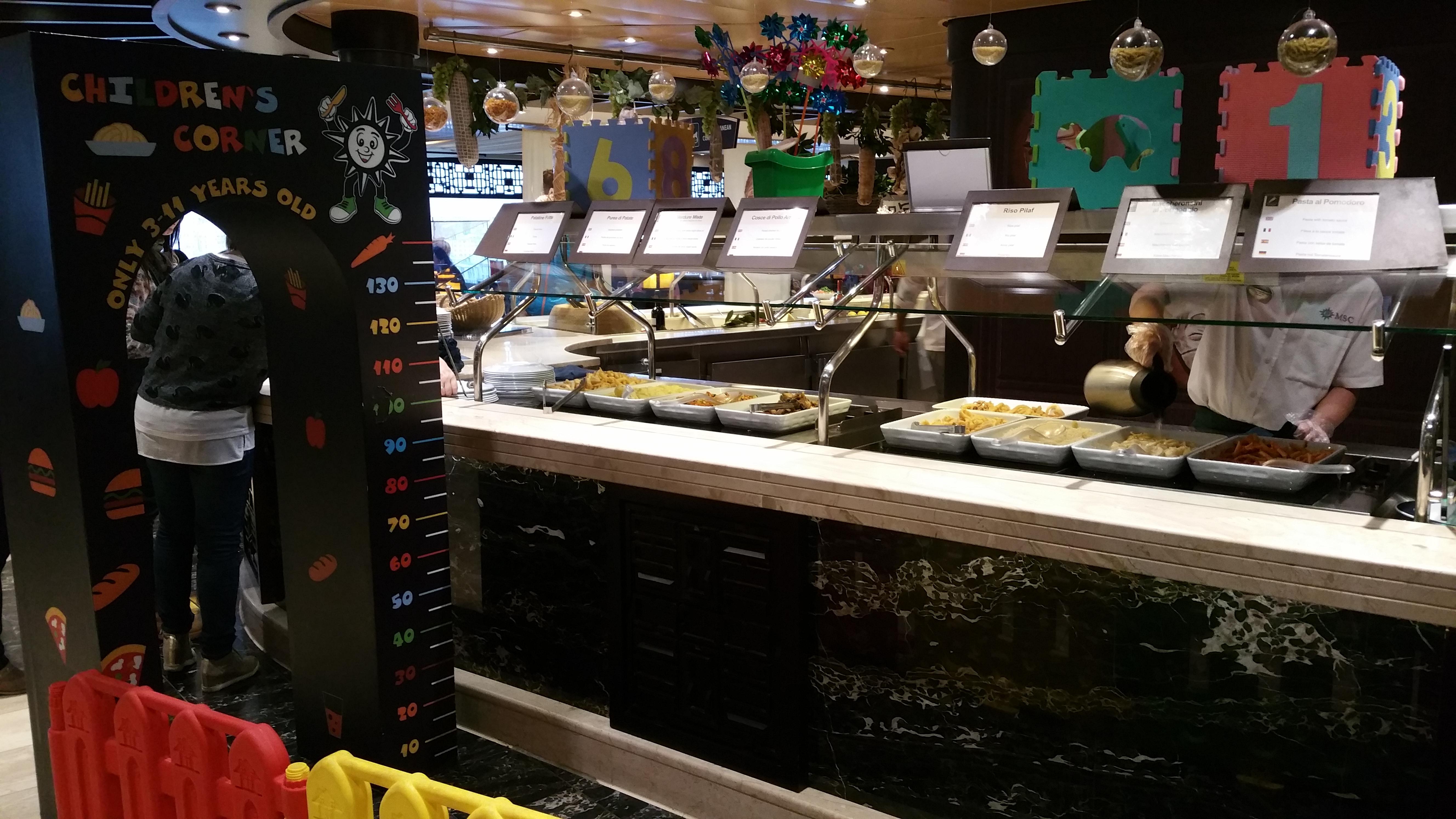 Une zone spécialement pour les enfants au buffet ZANZIBAR à bord du MSC FANTASIA